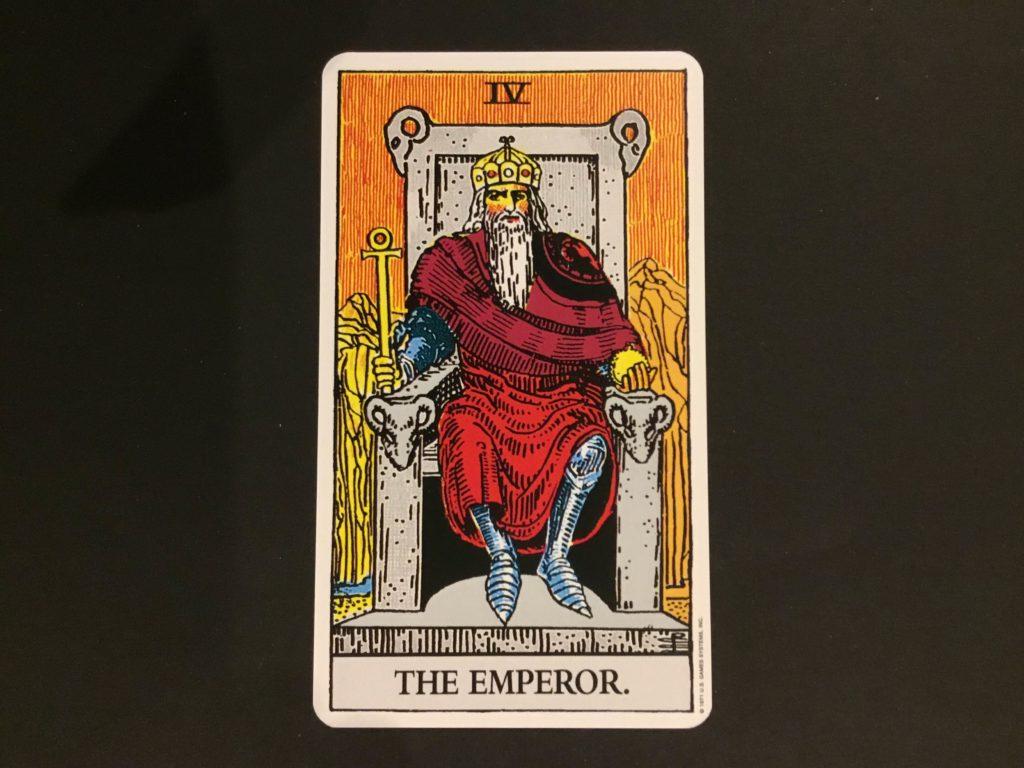 大アルカナ皇帝のカード